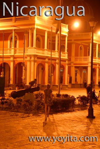 Granada Nicaragua de noche