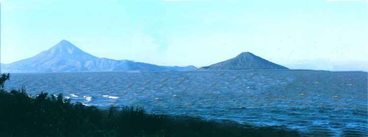Volcanos Momotombo and Momotombito