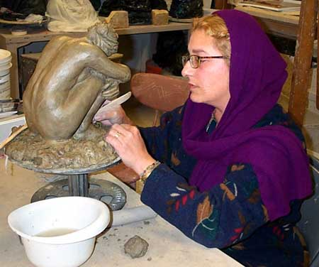 yoyita sculpting figurative female
